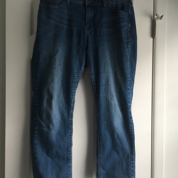 2b9e35f3 Lee Jeans | Perfect Fit Just Below The Waist | Poshmark